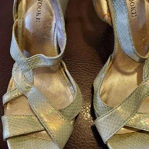 Women cute mint green heels Audrey Brooke size 10M